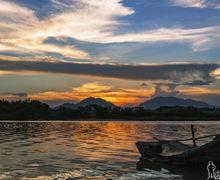 日落余晖映螺河